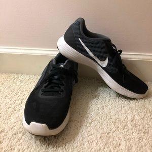 NIKE Revolution 3 Running Shoes WOMEN's 10